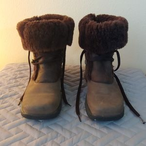 La Canadienne fur lined leather boots 8